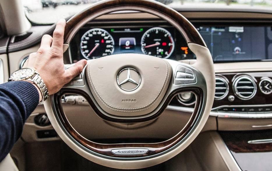 Rodzaje usług w kontekście wypożyczania aut – czy to się opłaca?